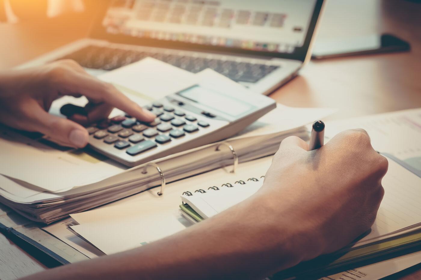 7 gute Gründe warum die Entscheidung zur Teilnahme an der <em> Umschulung zur/m Steuerfachangestellten eine sehr gute ist:</em>